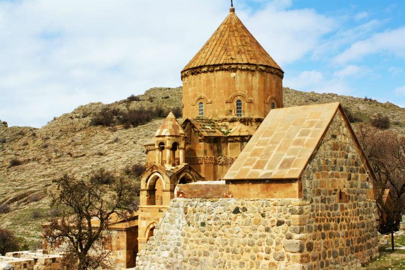 7700c3dad9 Akdamar Island And The Last Armenian Church Of Lake Van - Travel Tramp